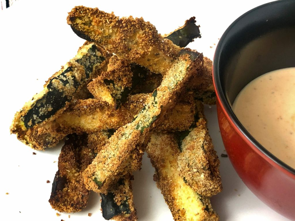 air fryer zucchini with spicy ranch sauce