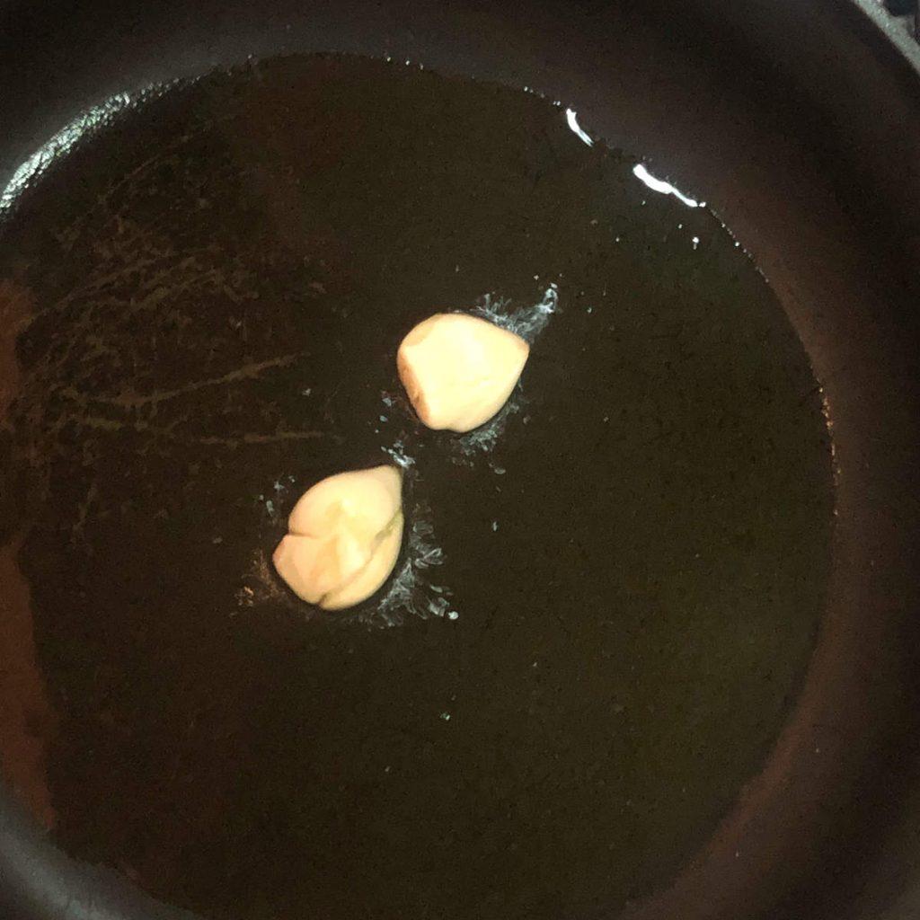 oil with garlic sauteed