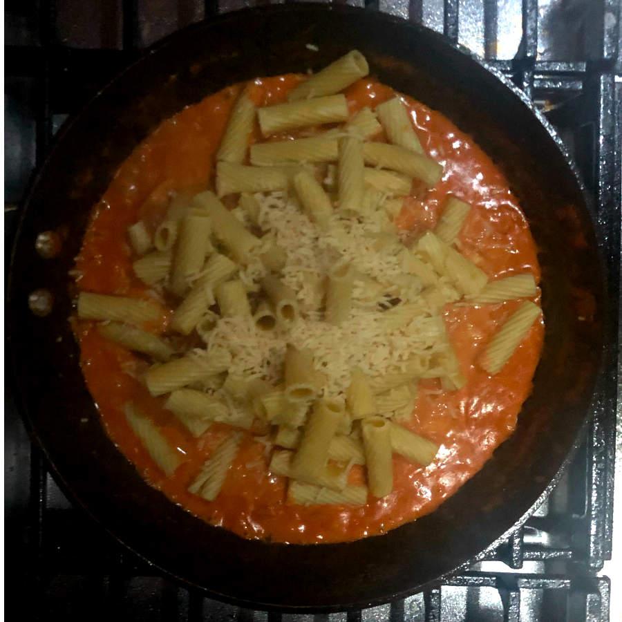 rigatoni with parmesan and tomato cream sauce