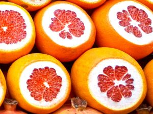 grapefruits for grapefruit knife and spoon